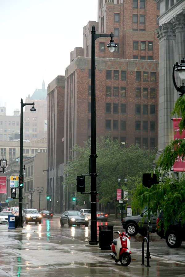 Milwaukee---Downtown---Rain 4731V