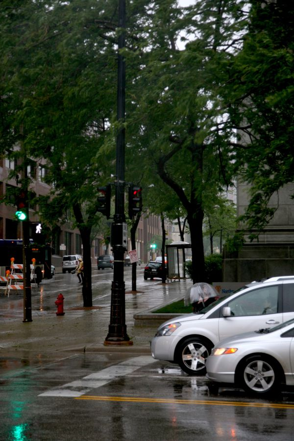 Milwaukee---Downtown---Rain 4763V