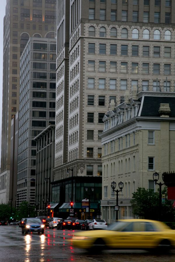 Milwaukee---Downtown---Rain 4796V