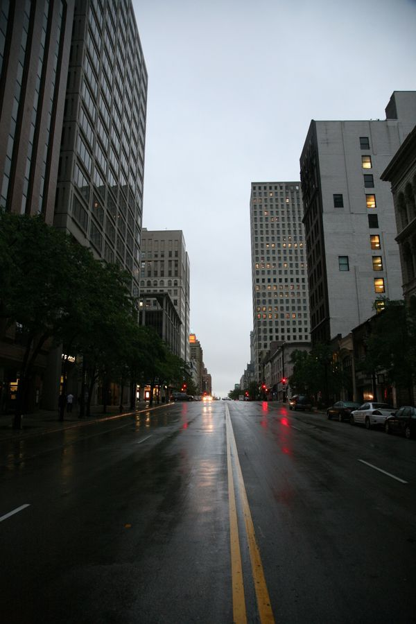 Milwaukee---Downtown---Rain 4908V