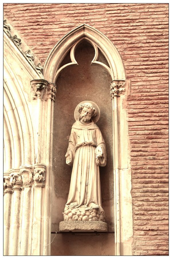 statue-Notre-Dame-de-Taur.jpg