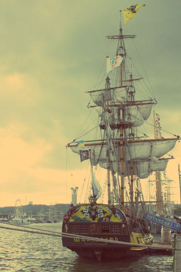 Armada-2013---Rouen---Shtandart.jpg
