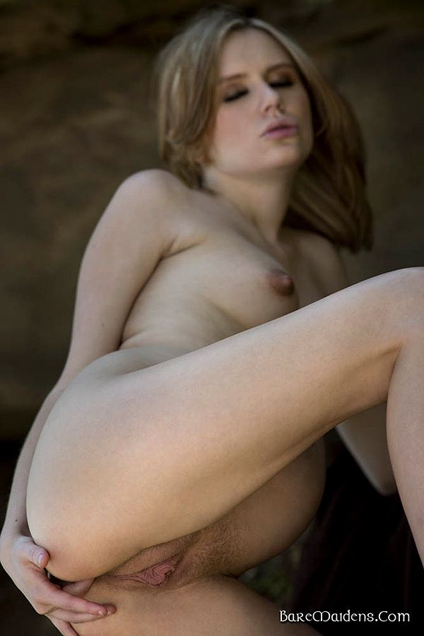 Dame-Elly-nue-16.jpg