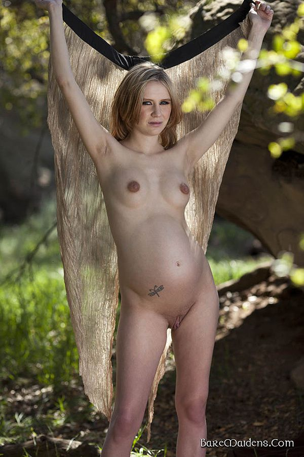 Dame-Elly-nue-6.jpg
