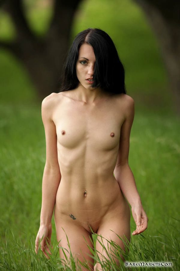 jessa-the-white-nue10.jpg