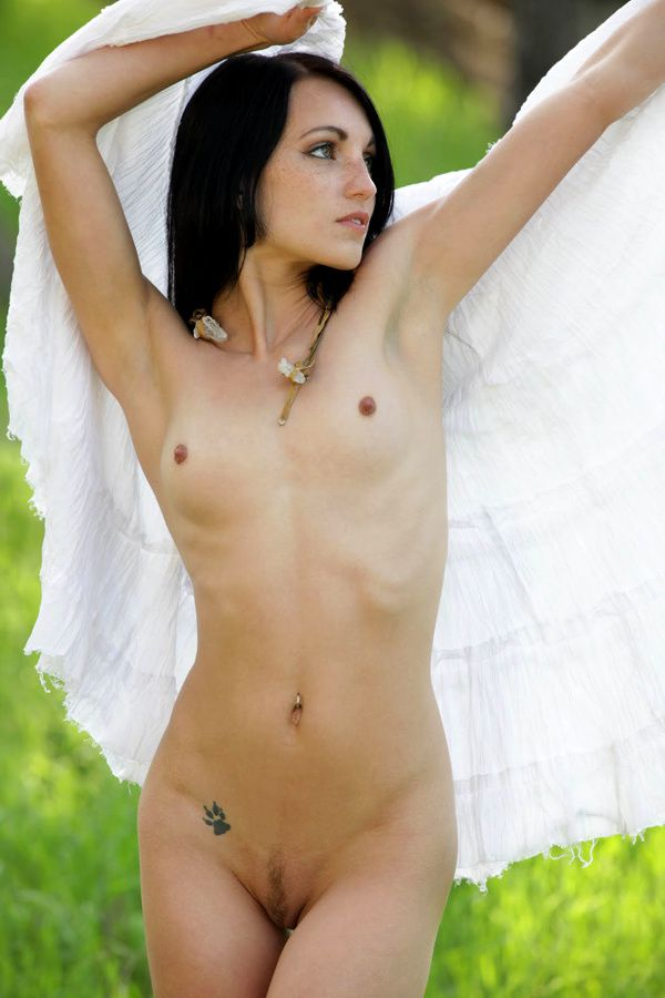 jessa-the-white-nue5.jpg