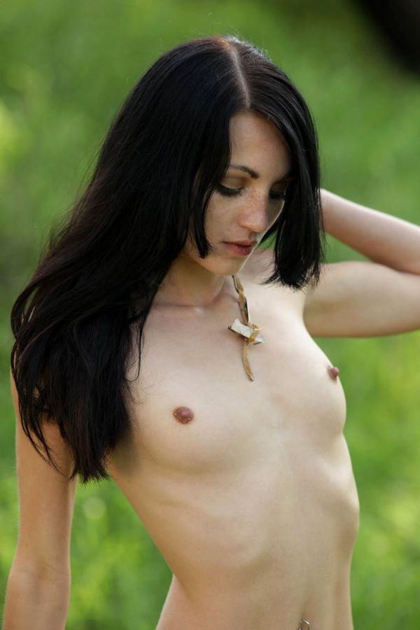 jessa-the-white-nue7.jpg