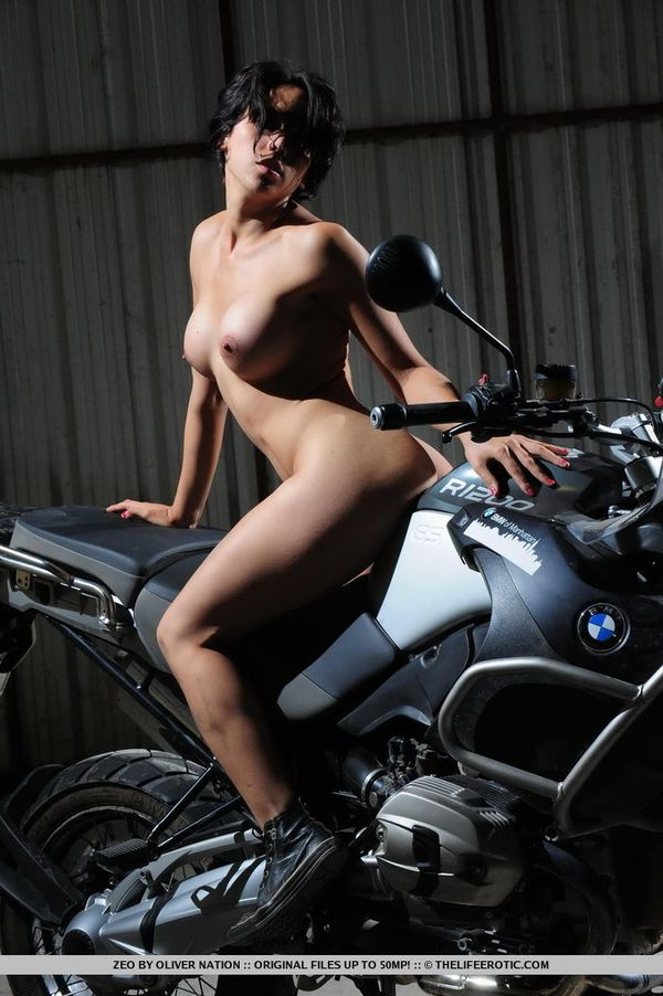 2012-Easy-Rider-Zeo-by-Oliver-Nation-007-thelifeerotic.com-