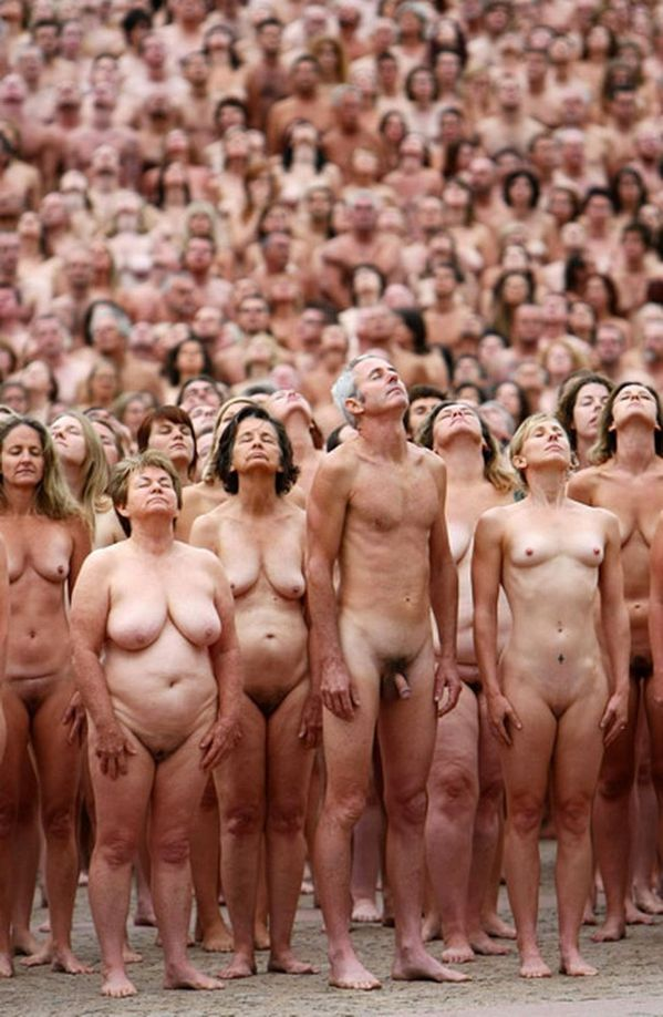 2010-3-1-Spencer-tunick----.jpeg