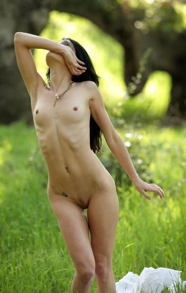 jessa-the-white-nue6.jpg