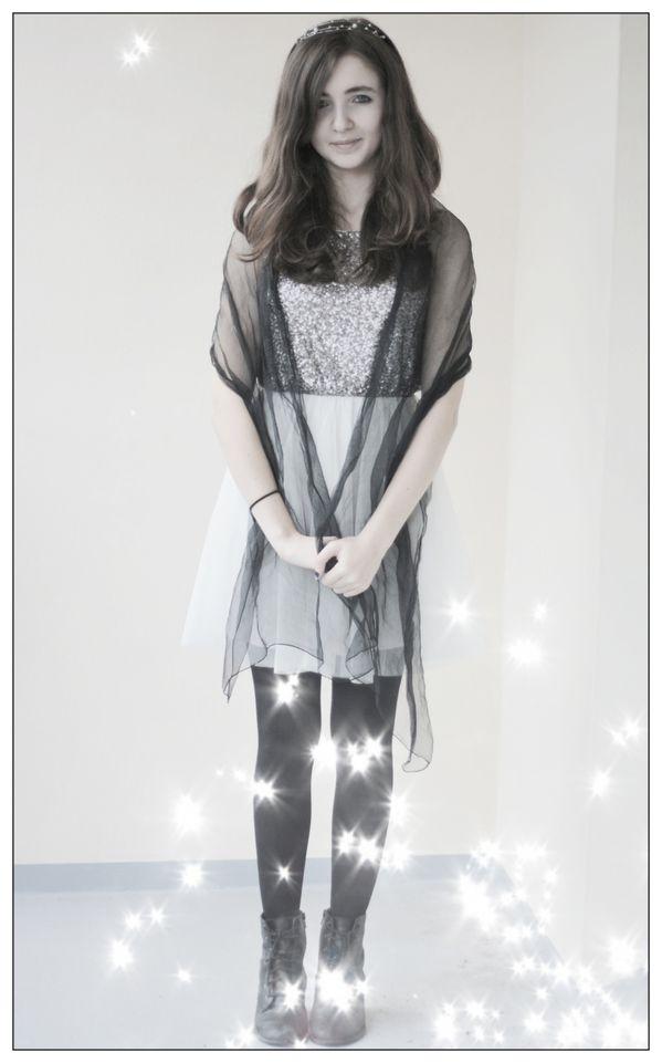 Melli---robe-tutu-H-M-avec-sequins.jpg