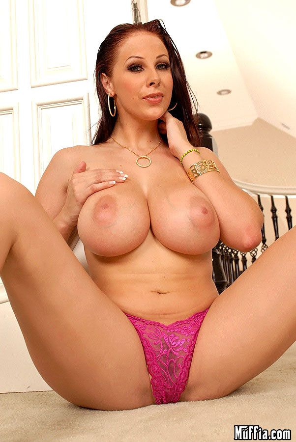 Gianna Michaels-Show stopper-Manueluncut-04