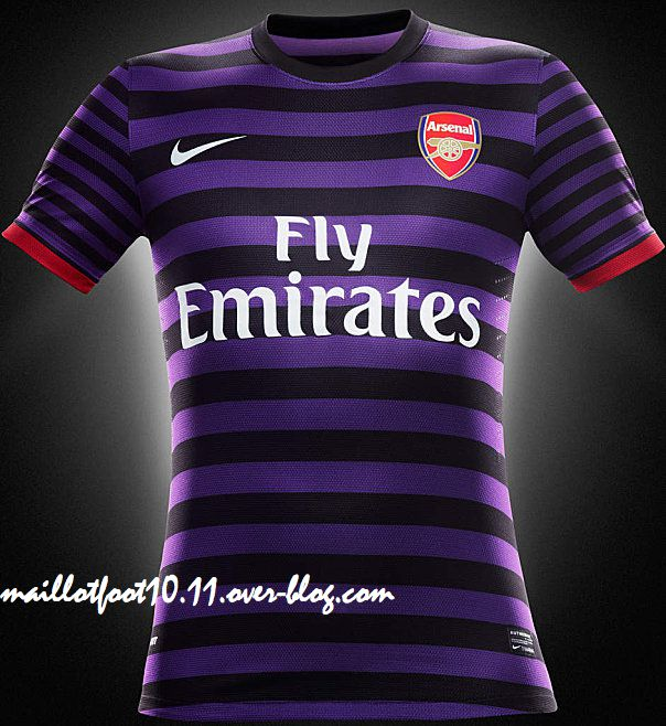 2013-maillot-arsenal-exterieur-.jpeg