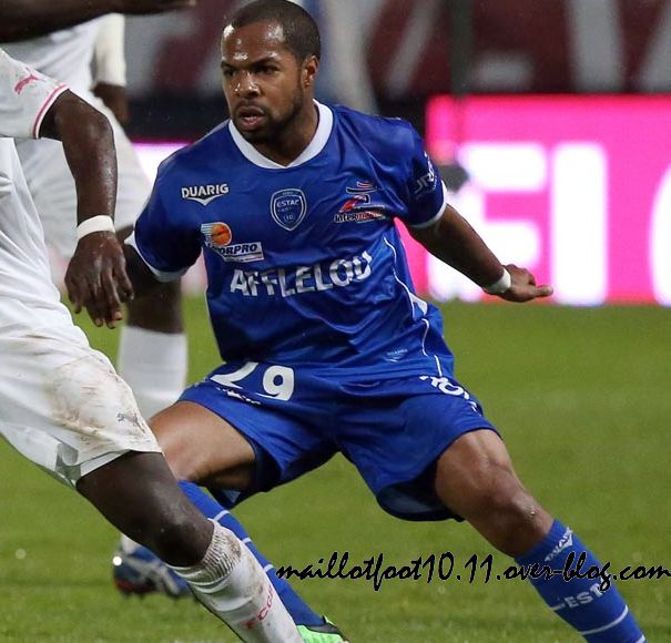 estac-troyes-nouveau-maillot-domicile-2014-.jpeg