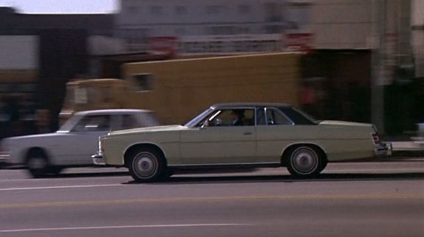 Episode-pilote-Ford-LTD-coupe-1975-1.jpg