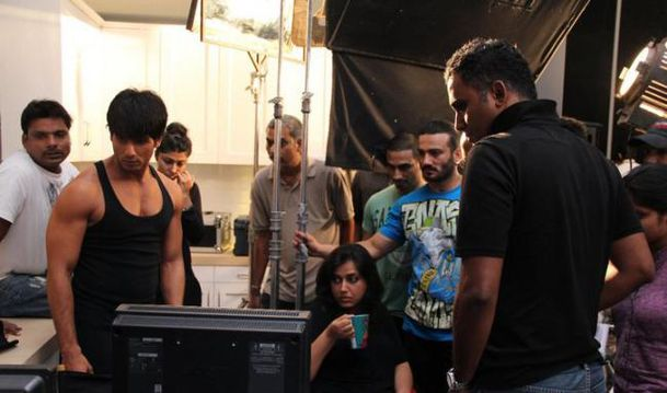 Shahid Kapoor on the sets of Bru Lite 4