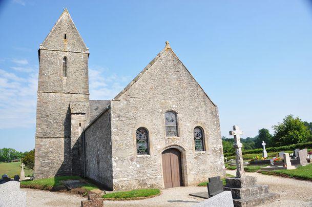 Le Mesnil-au-Val : l\'église - Le Val de Saire vu par Ph L