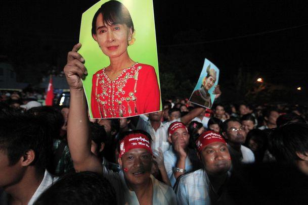 Aung San Suu Kyi la victoire