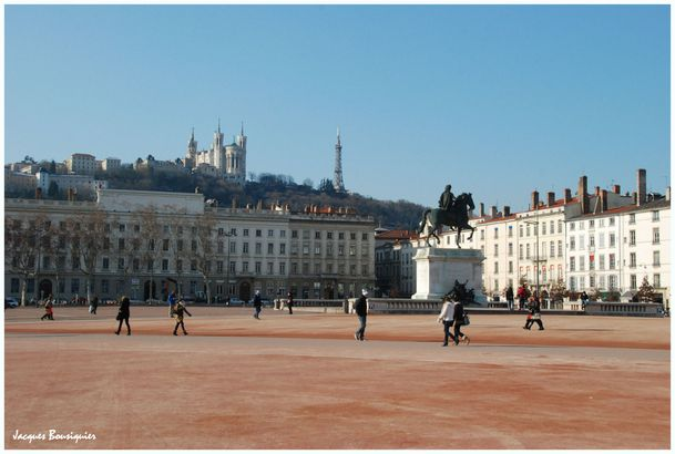 Lyon Place Bellecour 1