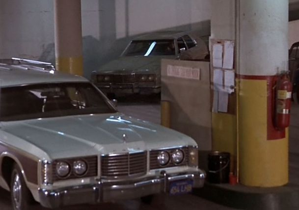 Episode-pilote-1973-Ford-LTD-Country-Squire.jpg