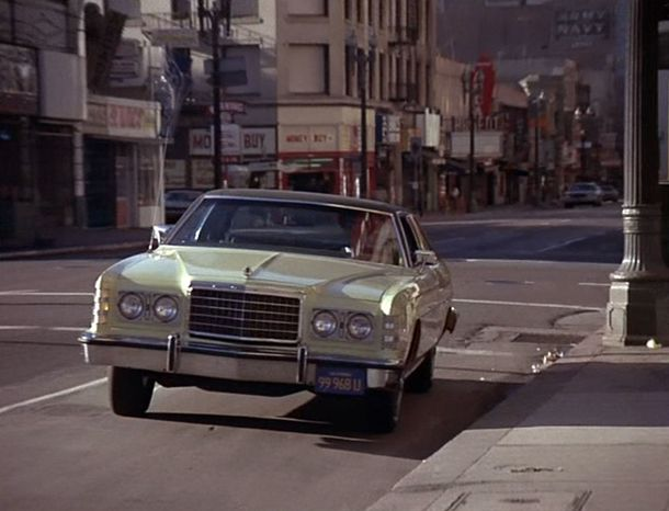 Episode-pilote-Ford-LTD-coupe-1975-2.jpg