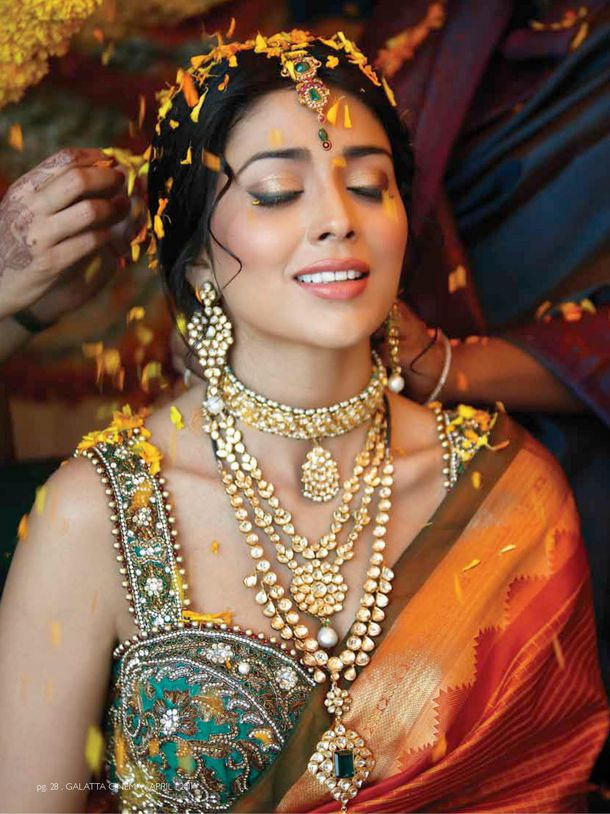 Shriya-Saran-est-la-cover-girl-de-GLATTA-magazine.-copie-2.jpg