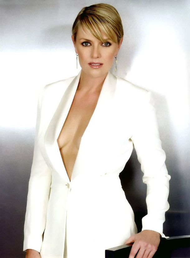 Amanda-Tapping-4-copie-1.jpg