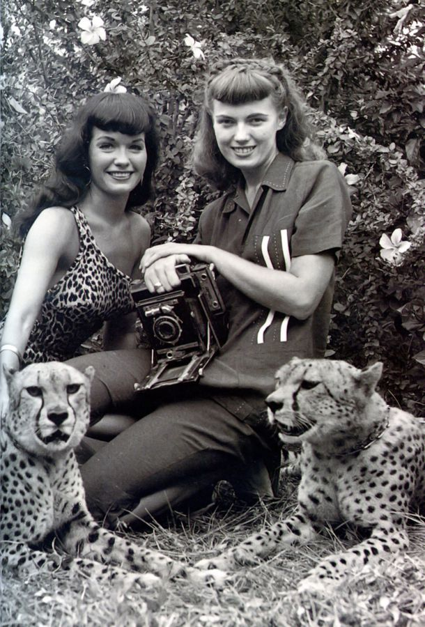 Bettie-Page-et-Bunny-Yeager