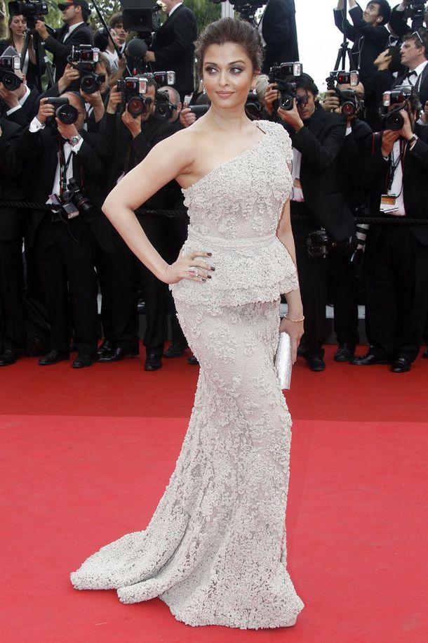Aishwarya Rai Bachchan - Cannes Film Festival 2011 - مهرجان كان الدولي للسينما 2011