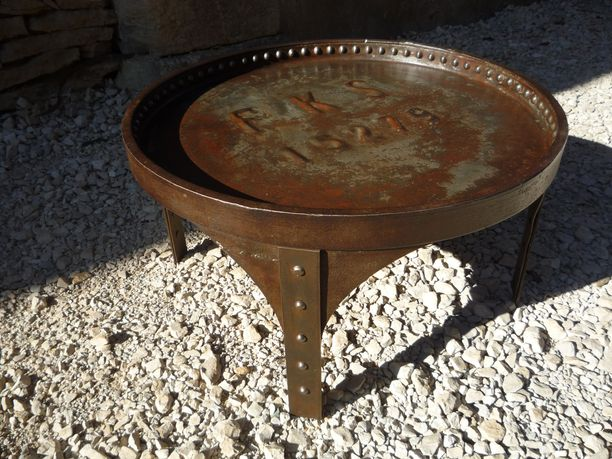 Table Basse Ronde Demi Fût Rivete 1920 Mettetal Industry