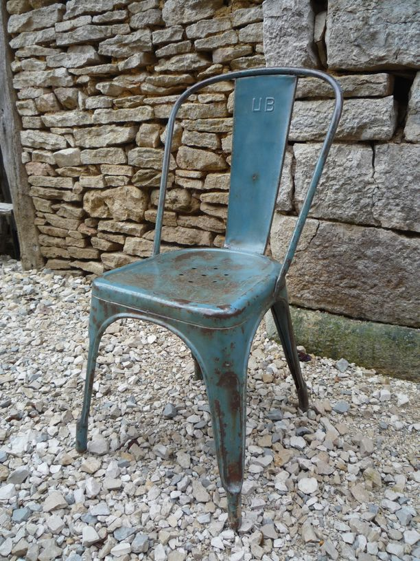 Chaise tolix 39 a 39 brossee patinee 1930 mettetal industry for Chaise 1930