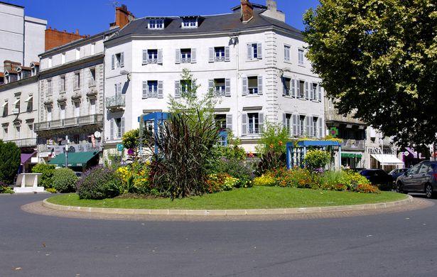 Perigueux, Place Ch De Gaulle