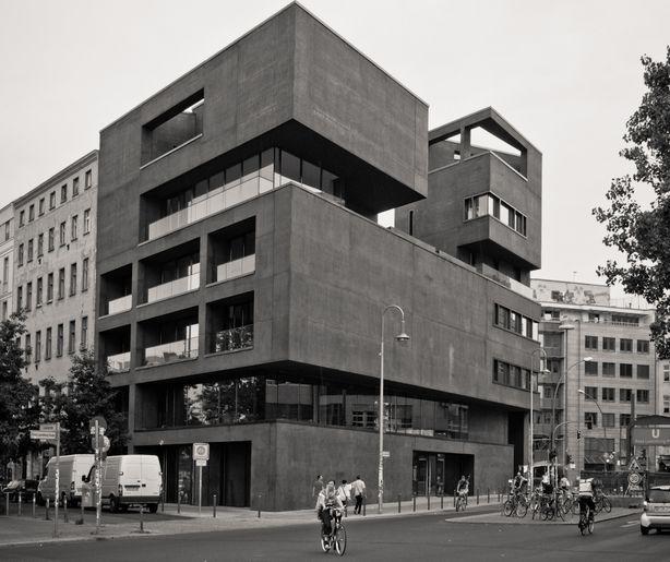 Berlin-Rosa-Luxemburg-Platz-.jpg