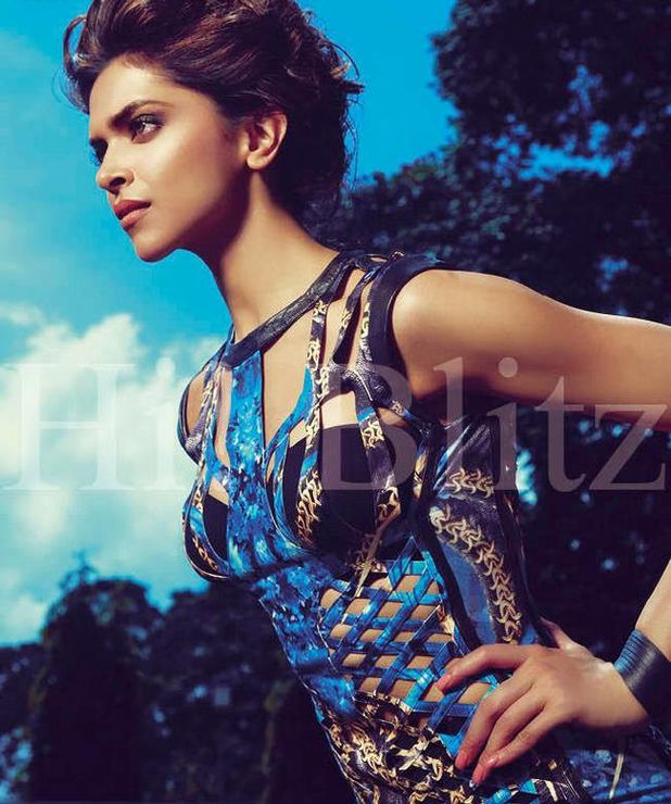 Deepika-Padukone-pose-pour-Hi-Blitz-India--Octobre-2011--5.jpg