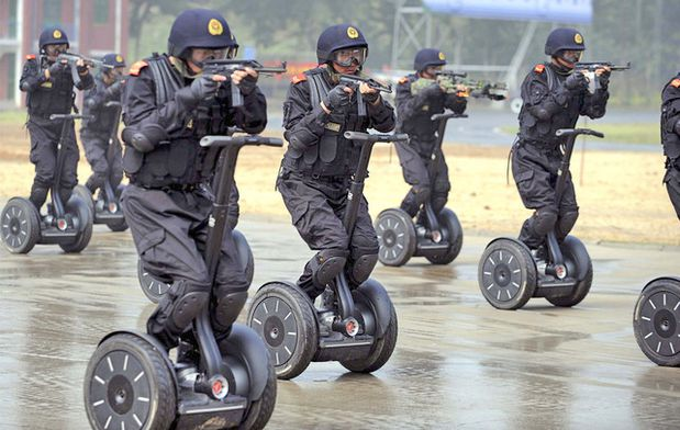 tirmailly.commoto_scurit_chine_jo_segway.jpg
