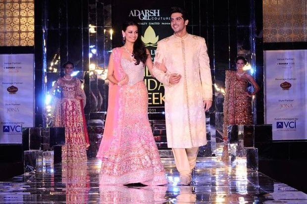 aamby-valley-india-bridal-week-Zayed-Khan---Dia-Mirza---Cou.jpg