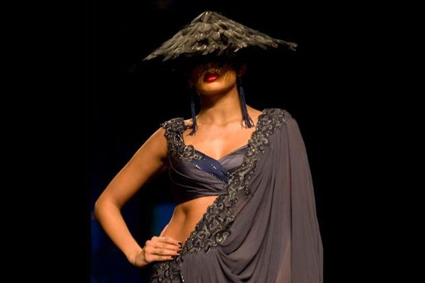 Wills-Lifestyle-India-Fashion-Week-Tarun-Tahiliani-1.jpg
