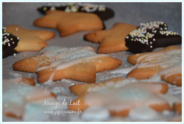 Biscuits-etoiles-de-Noel-au-gingembre-et-cardamome.JPG