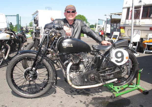 Rudge-pose-bon-IMG_1926.jpg