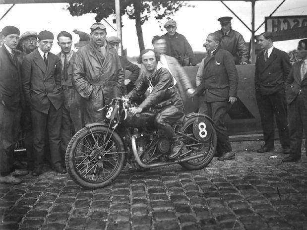 1930 Clément Andreino routes pavées 829
