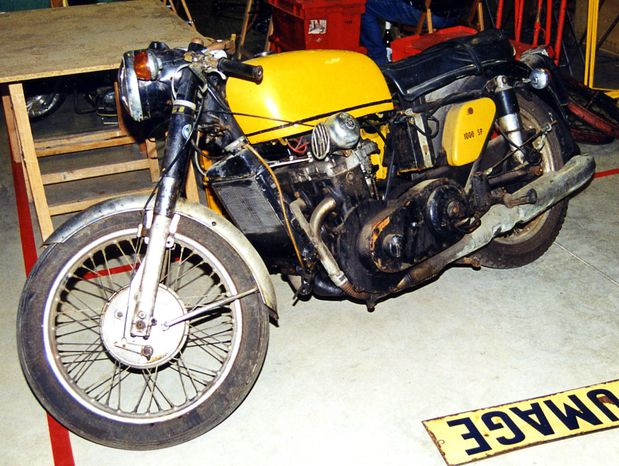 DKW-3-cyl-auto-Matchless126.jpg