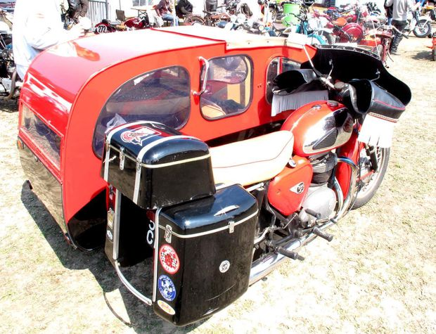BSA side gros rouge