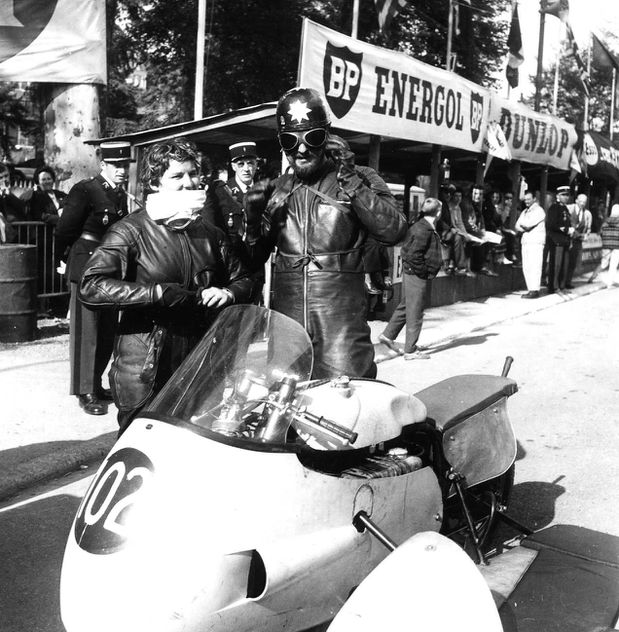 1960 side n° 102 Norton035