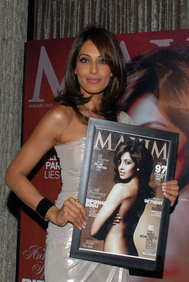 Bipasha-at-the-Maxim-Cover-Launch-Fashion-india-1.jpg