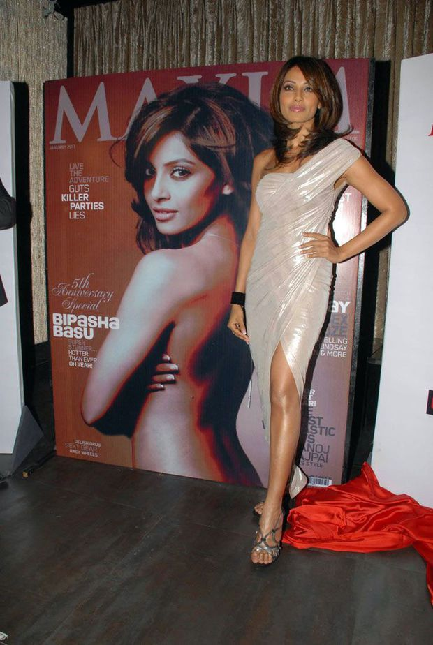 Bipasha-at-the-Maxim-Cover-Launch-Fashion-india-2.jpg