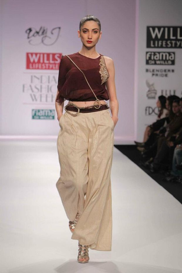 Dolly-at-the-J-Wills-Lifestyle-Fashion-India-Wee-copy-1.jpg