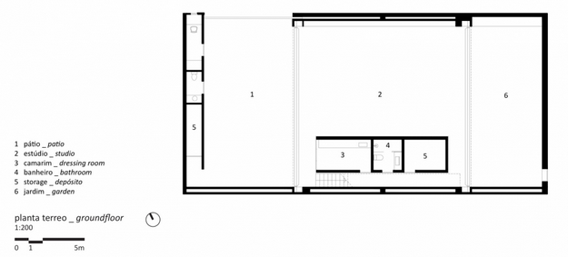 ESTUDIO-R-by-STUDIO-MK27-MARCIO-KOGAN-ARCHITECT-BRAZIL-plan.png