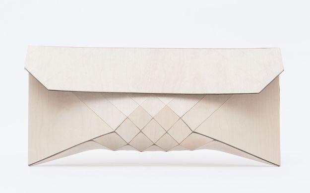 1-creme-Wearable-Wood--by-Tesler-Mendelovitch.jpg