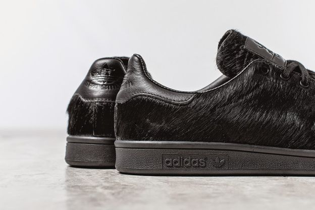 opening-ceremony-O.C.-Stan-Smith-Pony-Black-adidas-shoes-on.jpg