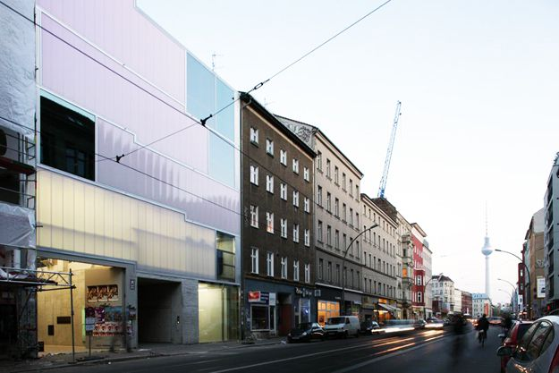 2-arcstreet.com-Studio-and-Gallery-Brunnenstrasse-9-Berlin.jpg